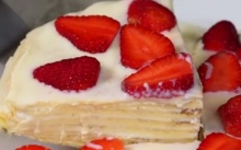 Strawberry White Chocolate Crepe
