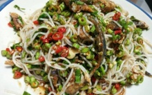 ยำขนมจีนปลาทู