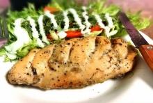 อกไก่พริกไทยดำ เปลี่ยนอกไก่นึ่งแบบเดิมๆ เป็นไก่ไฮโซ