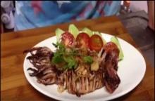 ปลาหมึกกระเทียมพริกไทย (คลิป)