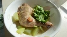 กุ้งแห้งหรือปลาหมึกแห้ง เพื่อความหอมและกลมกล่อมของน้ำซุป