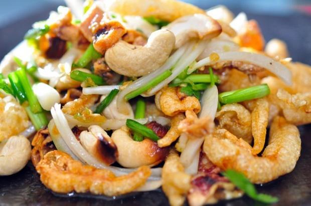 yum dishes in Thailand, things to eat, thai food, street food, yum sam krob